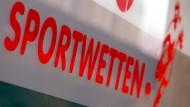 Versuch eines Befreiungsschlags: Hessen will Glücksspiele eindämmen.