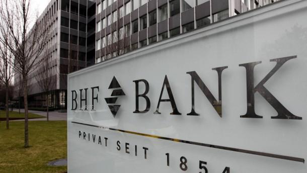 BHF-Banker wird Staatssekretär für Finanzen