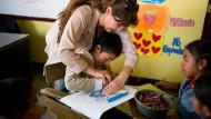 Lesen üben mit bedürftigen Kindern
