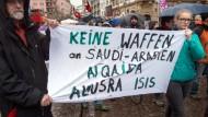 Protest: Zuletzt wandten sich Ostermarschierer in Frankfurt unter anderem gegen Al-Nusra