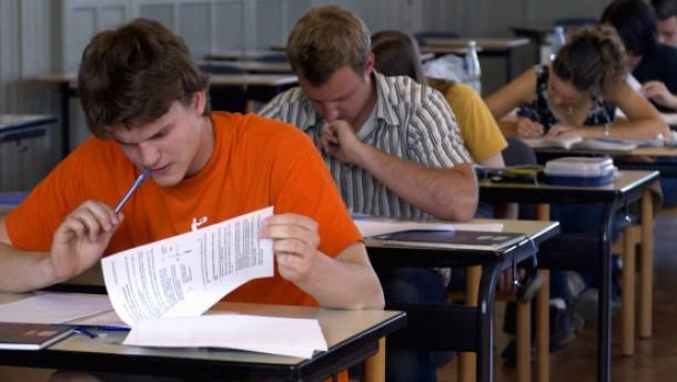 Schüler fordern Wiederholung des Abiturs
