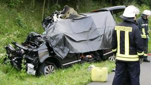 Dänische Urlauber sterben in Kleinbus auf A7