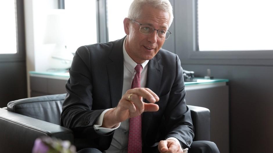 Mehr Passagiere heißt nicht mehr Lärm: Fraport-Chef Stefan Schulte im F.A.Z.-Gespräch