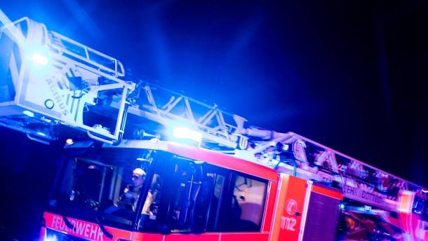 14 Verletzte durch Brand in Mehrfamilienhaus