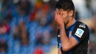 Kann es nicht fassen: Vincenzo Grifo hadert mit sich und der Leistung des FSV Frankfurt.