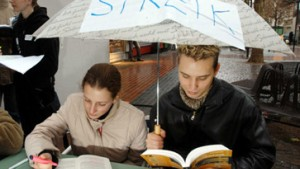 Tausende Studenten protestieren abermals gegen Studiengebühren