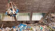 Müllschlucker: Alleine in Frankfurt gibt es schon zwei große Verbrennungsanlagen