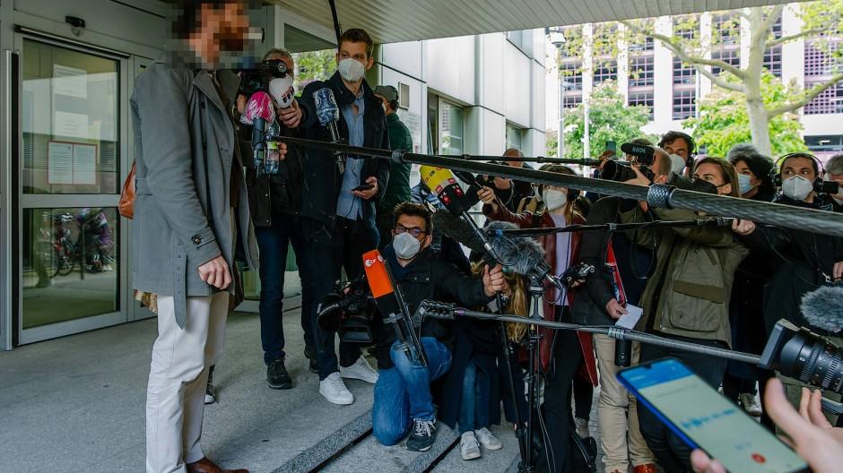 Gesprächig: Franco A. vor Journalisten am Oberlandesgericht Frankfurt