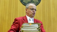 Unbefangen: Klaus Drescher kann weiter als Vorsitzender Richter im Frankfurter Doppelmordprozess wirken