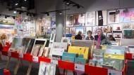 Erschwinglich: Der Kunstsupermarkt ist ein Forum vor allem für jüngere und unbekannte Künstler, die Werke günstig anbieten