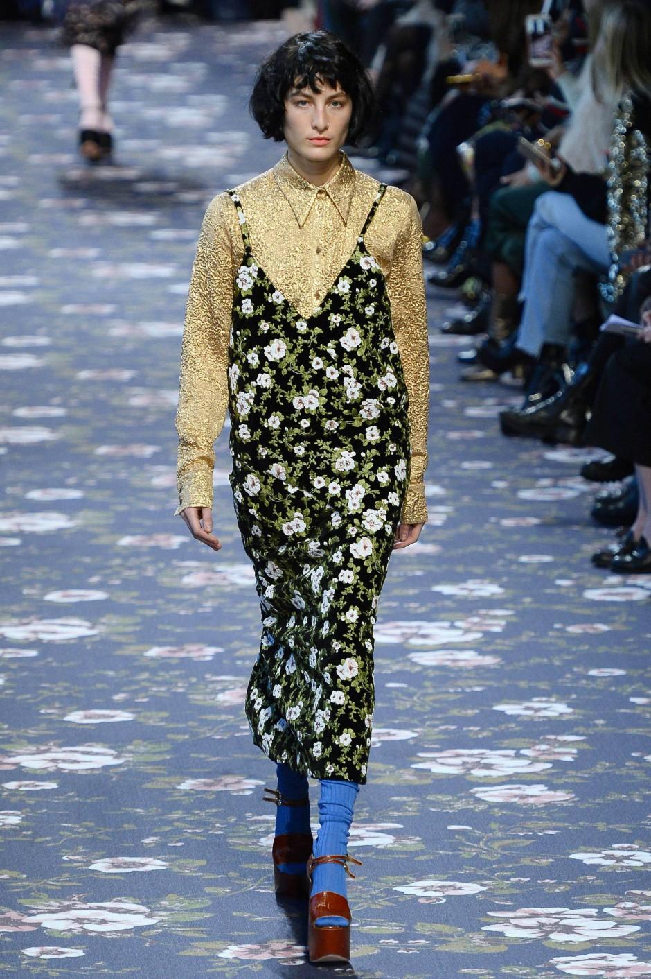 Modewelt setzt auf h ssliche kleidung die gr nde for Minimalismus klamotten