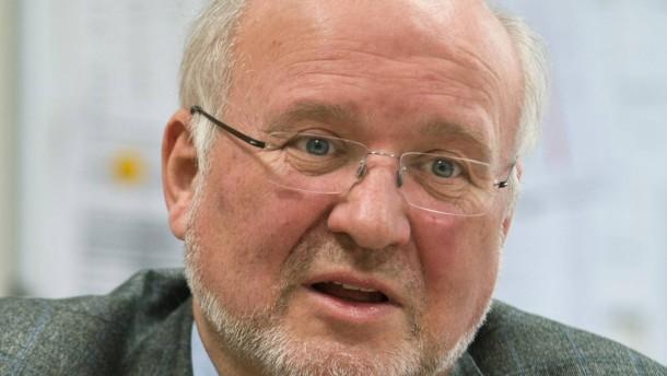 Frank Ausbüttel - Der Direktor des Freiherr-vom-Stein-Gymnasiums spricht über die Probleme, die ein Wechsel von G8 zu G9 mit sich bringt