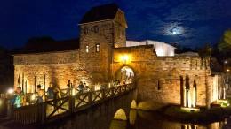 In der Burg wird doch Theater gespielt