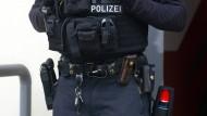 """Razzia: Die Polizei hat fünf Objekte rund um den """"Almadinah Islamischer Kulturverein"""" im Raum Kassel durchsucht"""