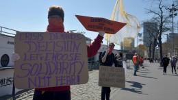 """Polizei löst """"Seebrücken""""-Demonstrationen auf"""