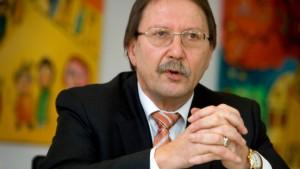 Finanzminister kündigt harten Sparkurs an