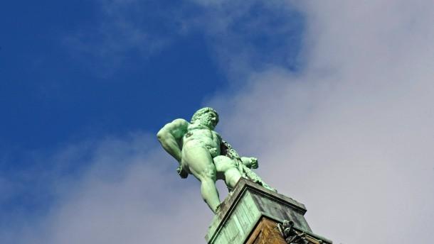Schwelbrand an Herkules-Statue
