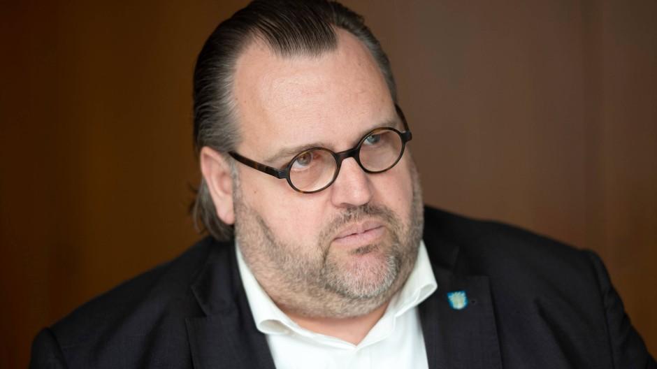 Rechnet mit einem hohen Defizit im Offenbacher Nahverkehr: Kämmerer Peter Freier