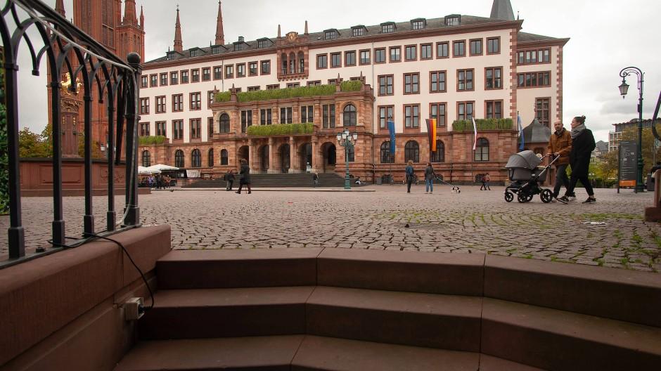 Schauplatz Wiesbaden: Über einen Zeitraum von zehn Jahren verfolgte Ewald Hetrodt als Korrespondent die örtliche Kommunalpolitik.