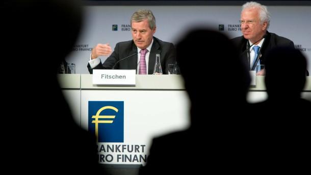 Euro Finance Week - Zur Eröffnung der Kongresswoche sprechen Bundesbankpräsident Jens Weidmann und mehrere Bankchefs im Frankfurter Messe Congress Centrum.