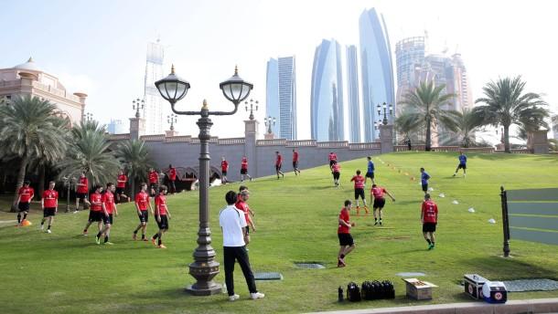13.01.2014, Fussball, Trainingslager Eintracht Frankfurt in Abu Dhabi - Tag 6