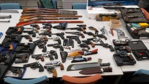 Polizei findet bei Rentner großes Waffenlager