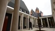 Teurer Bischofssitz sorgt für Verluste im Bistum