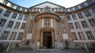 Strafe für tote Elster im Justizbriefkasten