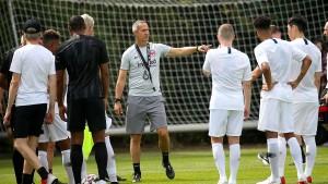Neuer Eintracht-Trainer muss personellen Umbruch meistern