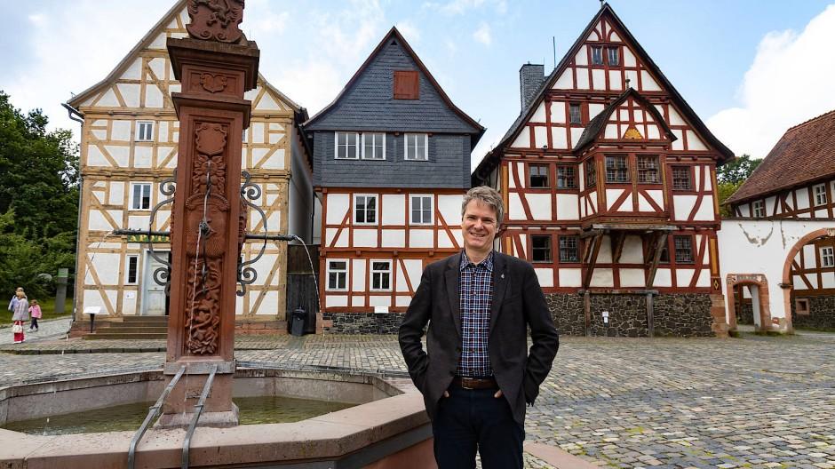 Beliebt: Der Hessenpark, hier der langjährige Chef Jens Scheller im Bild, wartet auch 2020 wieder mit Neuerungen auf
