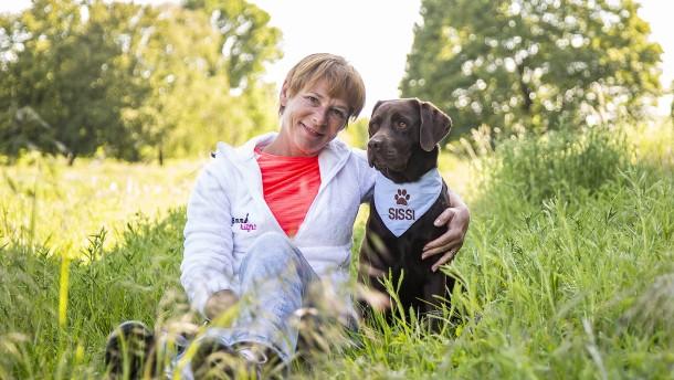Die wunderbaren Taten der Hunde Emma und Sissi