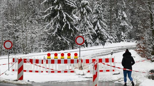 Straßen rund um den Feldberg im Taunus bleiben gesperrt