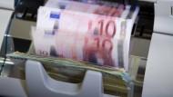 9000 Euro zu viel herausgegeben