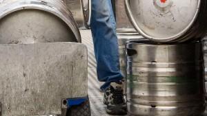 Hunderte leere Bierfässer gestohlen