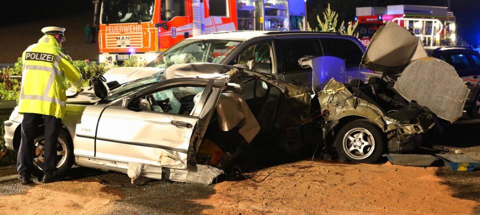 Schwerer Unfall Auf A3 Drei Tote Und Sieben Verletzte