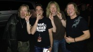Abschied vom alten Leben: Matteo Ringling raucht mit den Jungs von Iron Maiden eine letzte Zigarre.