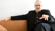 Künstlerisches Konto voll, Kasse leer: Matthias Fontheim, noch Intendant des Staatstheaters Mainz.