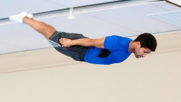 Die Trampolinturner der Frankfurt Flyers sind richtige Akrobaten der Lüfte. Doch es erfordert viel Training, so abheben zu können