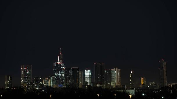 """Zur """"Earth Hour"""" nicht nur Frankfurts Skyline dunkel"""