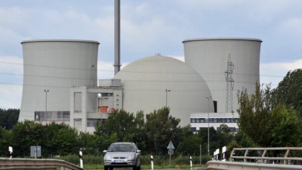 Atomkraftwerk Biblis wird umzingelt