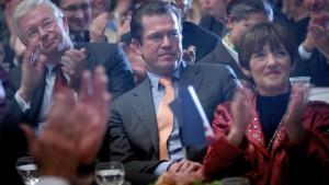 Bouffier hofft auf Rückkehr Guttenbergs