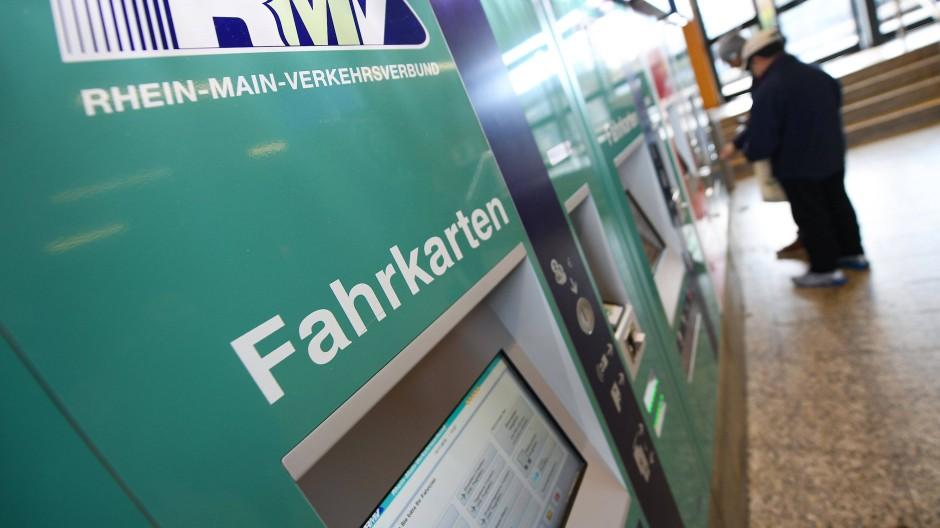 Krisen-Verlierer: Der öffentliche Verkehr büßt Fahrgäste ein und Abermillionen Euro, so auch der RMV