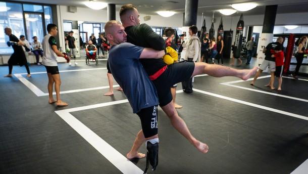 Mit der Prothese im Boxring