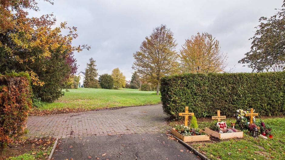 Neue Nutzung: Das an den Friedhof in Nieder-Mörlen angrenzende Gelände soll bebaut werden.