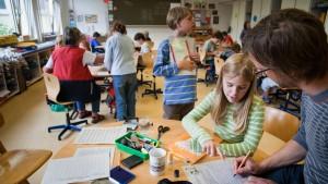 Opposition fordert Tempo bei Ganztagsschulen