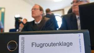 Flugrouten über Raum Hanau vor Gericht