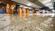 Wasserschaden: Im Juli 2016 flutete ein Unwetter den Frankfurter Südbahnhof