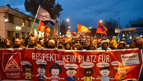 Hunderte stören Pegida-Treffen in Frankfurt