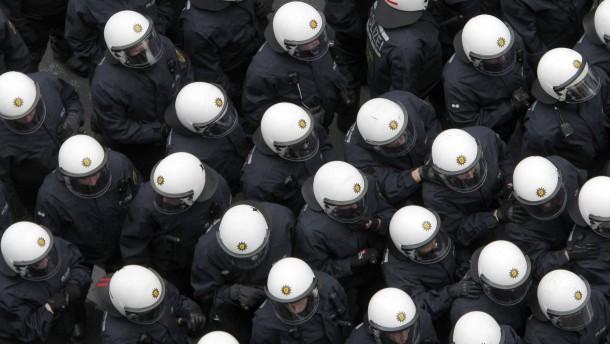 Grüne wollen Kennzeichnungspflicht für Polizisten