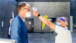 Kritik aus Frankfurter Rathaus an Schließung der Impfzentren